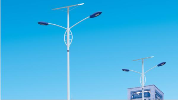 农村6米太阳能路灯多少钱一个?