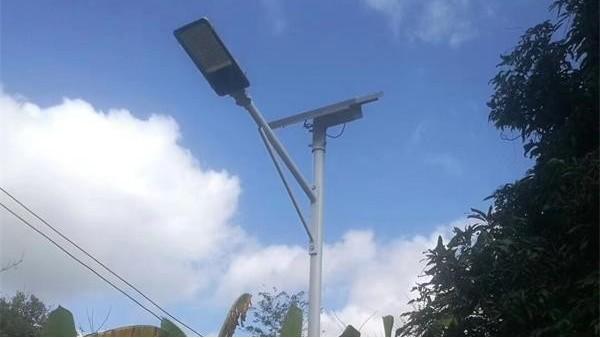 鑫永虹LED太阳能路灯,照亮您回家的路