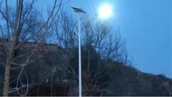 在乎LED太阳能路灯价钱,选择正规厂家更靠谱!